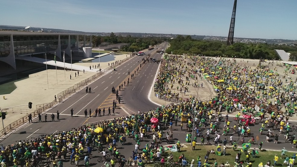 """Brasília proíbe manifestações na Esplanada por """"ameaças declaradas"""