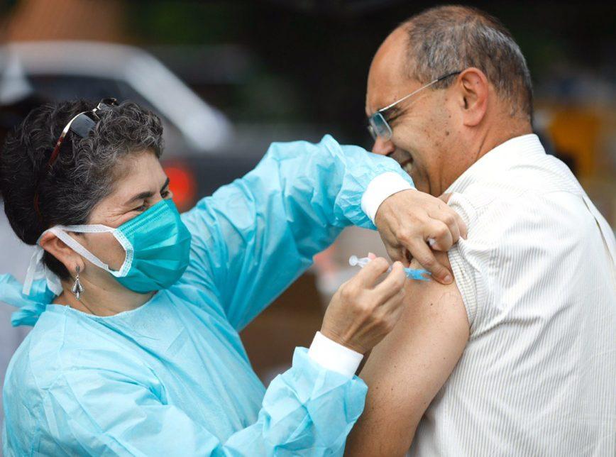 Maior controle: Senado aprova PL para a criação de carteira digital de vacinação
