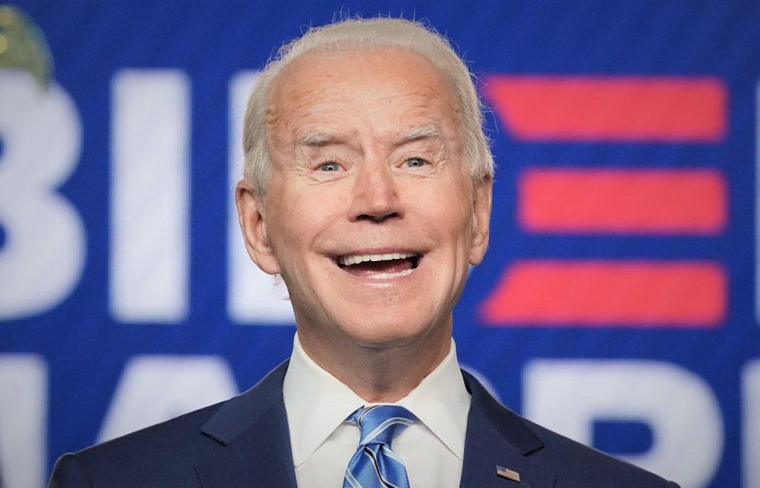 Biden promete tomar decisão no 1ª dia de governo em favor de estudantes transgêneros