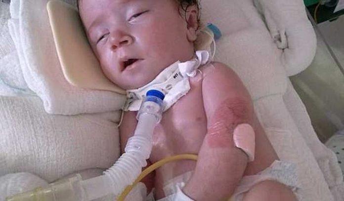 Família pede ajuda para bebê que nasceu com doença e precisa fazer exame urgente
