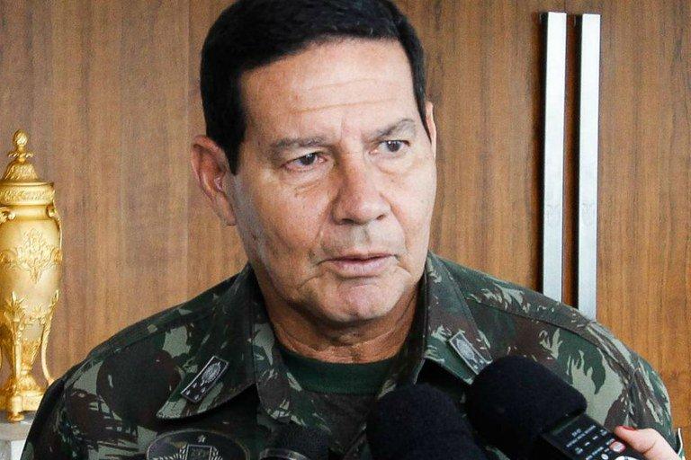 Mourão dá invertida ao ser questionado sobre mortes no Jacarezinho: