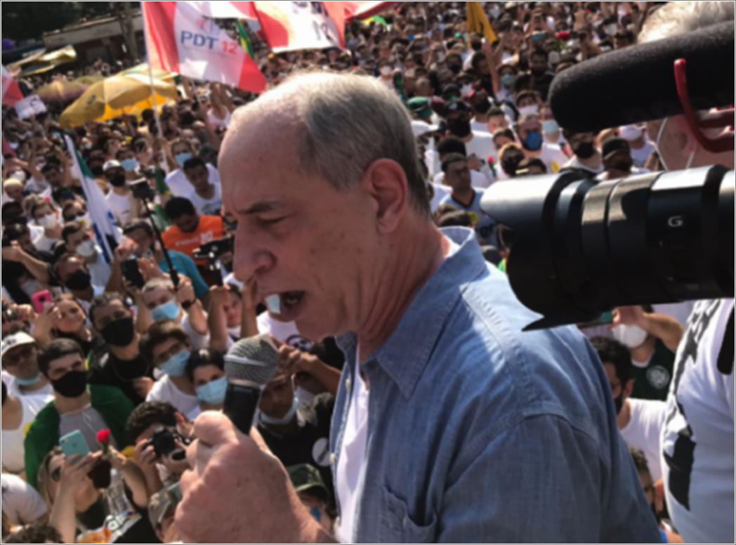 Ciro sugere que não há como vencer Bolsonaro no voto: