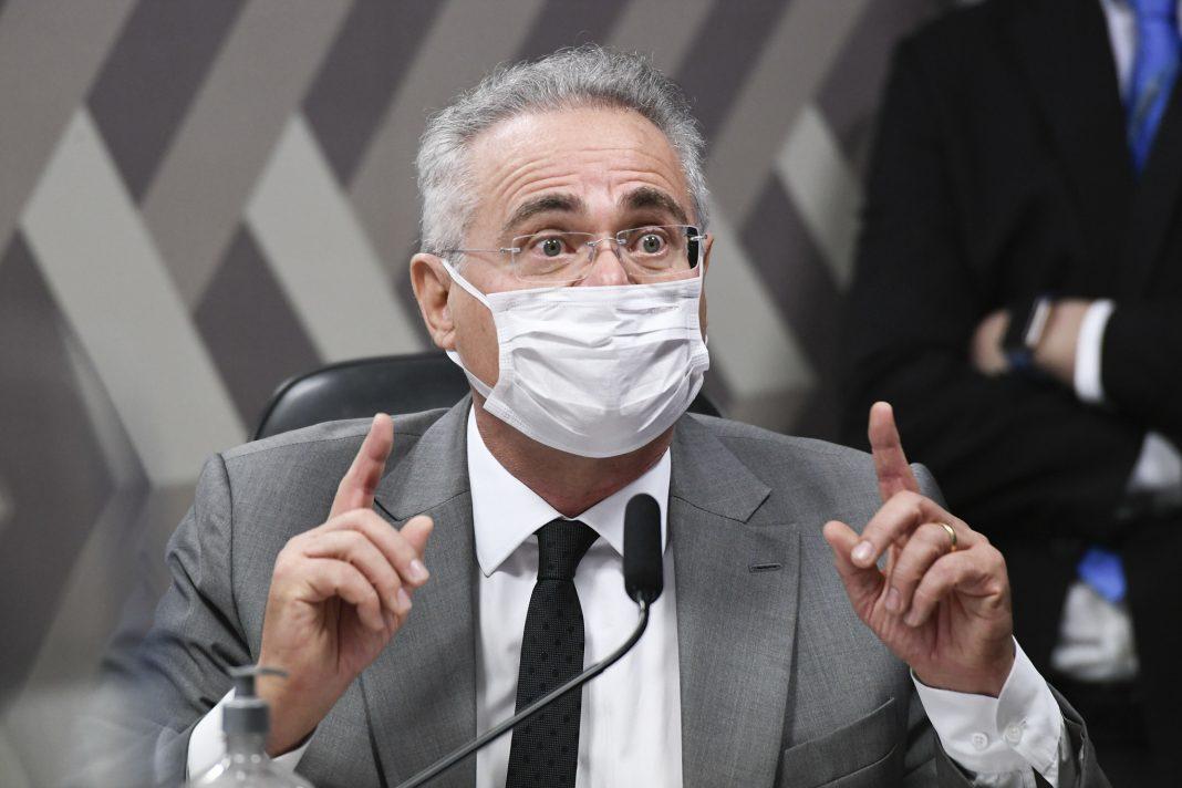 Visando Bolsonaro, Renan Calheiros quer facilitar Impeachment com alteração na Lei