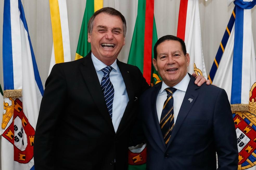 Mourão diz ter fé no país e elogia Bolsonaro após nota: