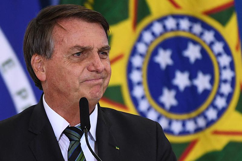 Nota de Bolsonaro parece ter sido escrita por uma criança que apanhou da mãe