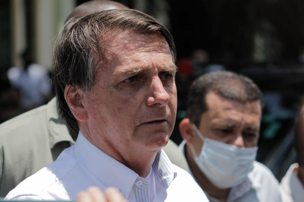 GRAVE! Bolsonaro indica que pode estar sendo chantageado: 'Me dê a vaga pro Supremo'